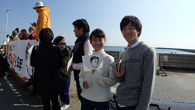 さっき横山さんに車を押してもらっていた二人もいる。「お世話になったので」ということで参加してくれた。