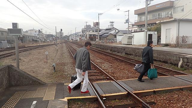 横山さん生誕の地に降り立つ。
