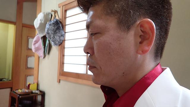 こんなに緊張した横山さんを見るのは初めてです。