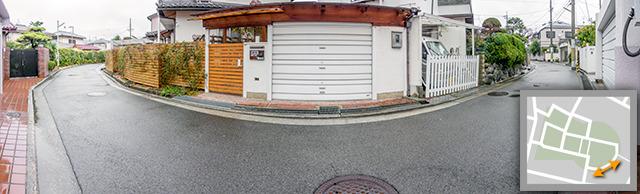 この道の曲線は前方後円墳の円の名残なのだ。