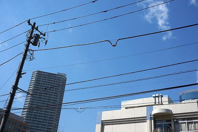電線自体は切れないようにゆるめに張られているけど、このワイヤーの力が強いらしい
