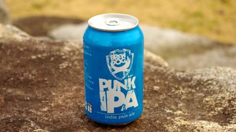 水色のスタイリッシュな缶、「パンクIPA」、度数5.6%。