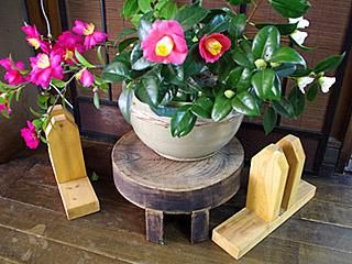 小麦粉を捏ねるのは、どの家でも漆塗りの木鉢ではなく、こういった陶器製の捏ね鉢だったらしい。