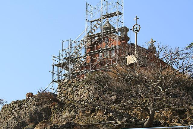 旧野首教会は改装工事中だった。