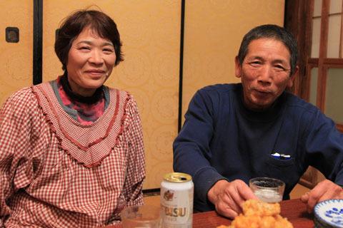 濱元さんご夫妻。親父さんは民泊を始められる前からよく知らない人を連れてきては家に泊められていたそうだ。