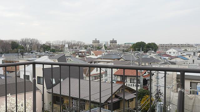 上京当時よくぼんやりしてた屋上からの景色。大家さんはまだ元気だった