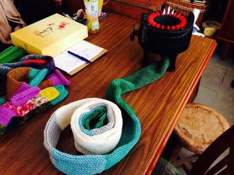 手編みだったら何日かかったか分からないロングサイズ。