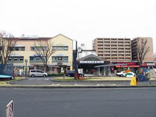 駅前には特に武蔵野の面影は見当らず