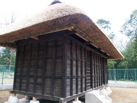 往時の暮らしを今に映す、多福寺の穀倉