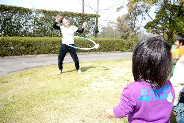 ゴールが見えてきたおかげで公園で遊ぶ子供たちに手を振る余裕も