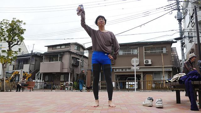 成功。世の中的にはなんにも起こってないように見えるが、北京の蝶の羽ばたきが米国の嵐となることもある。