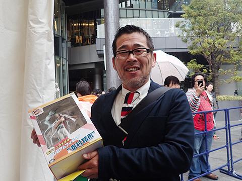 『水曜どうでしょう』の名物ディレクター藤村Dへは『テニスの王子様』フィギュア。