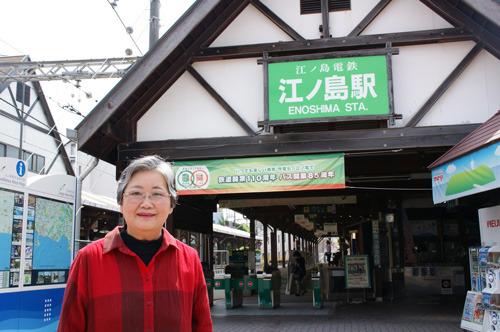 こちらが雀の服を作っていらっしゃる石川カツコさん(73歳)