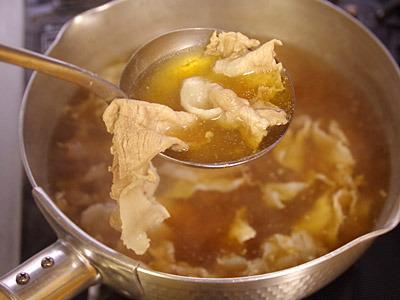 シンプルな豚汁を塩分だけは足りるように味付けした。