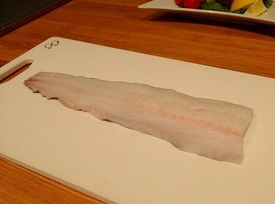 身はこんなに綺麗!新鮮な深海鮫よりも綺麗な白身もそうそう無いと思う。