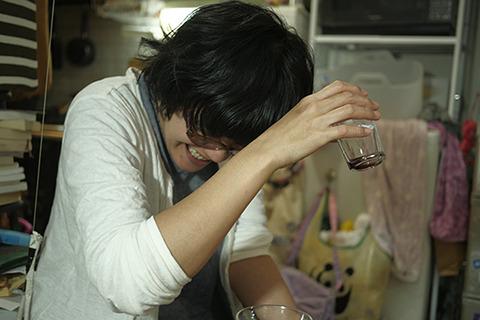 妻とその友人が飲んでるところに持っていくと二人ともいかなごの勝利を支持。妻よ、それが結婚の味だ!