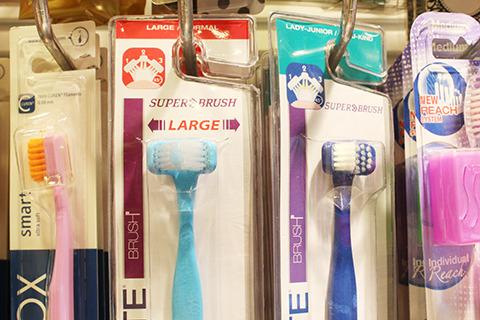 単体でも歯を広範囲に攻められる歯ブラシ。