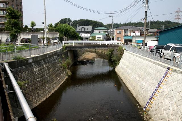 神奈川県綾瀬市を流れる準用河川「比留川」
