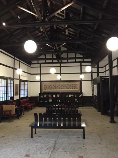 とてもいい雰囲気の駅でビックリした(あの水戸岡さんデザインにより改修されたとのこと)。