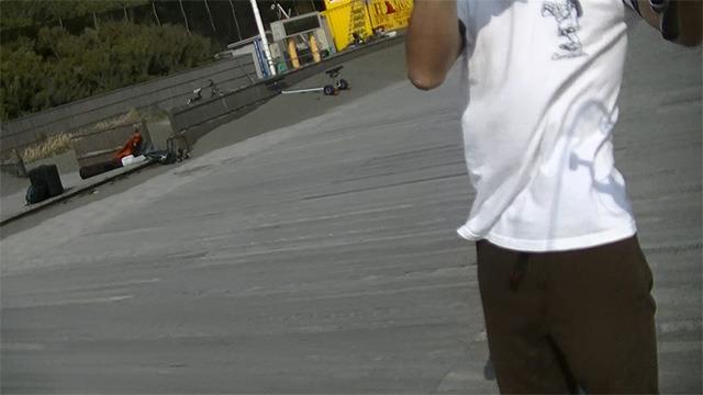 その時ドローンが見ていた映像。写っているのは操縦する僕である。夢のドローン自撮りが成功したのだ。