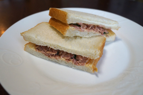 サンドイッチだけじゃない、トーストだって8枚が火を吹く!