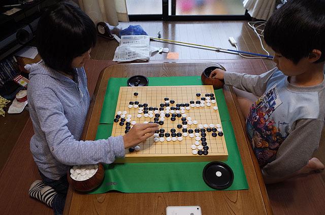 囲碁が子供に人気。