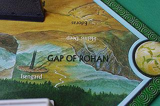指輪物語を知ってる人にはお馴染みの地名が描かれている。