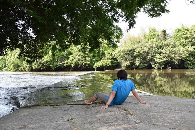 なお、水量が多いときは渡るのをやめましょう。のんびり眺めているだけでも癒やされますよ
