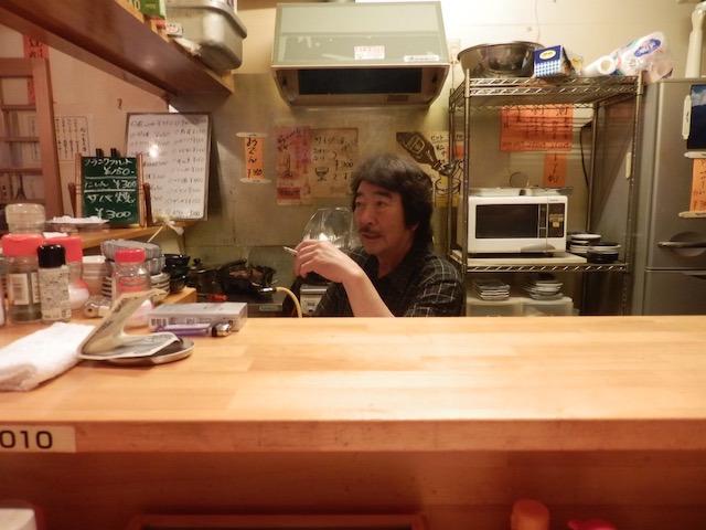 マスターの舟崎英義さん(68歳)