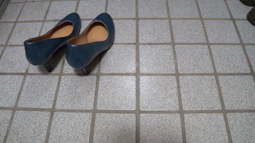空気は履けない(写真はサイズを間違えて買った靴です)