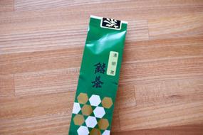 清明茶100gで500円