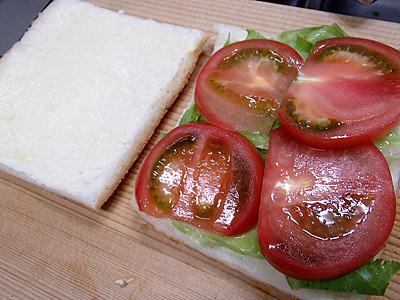 家でサンドイッチを作るなんていつ以来だろう。