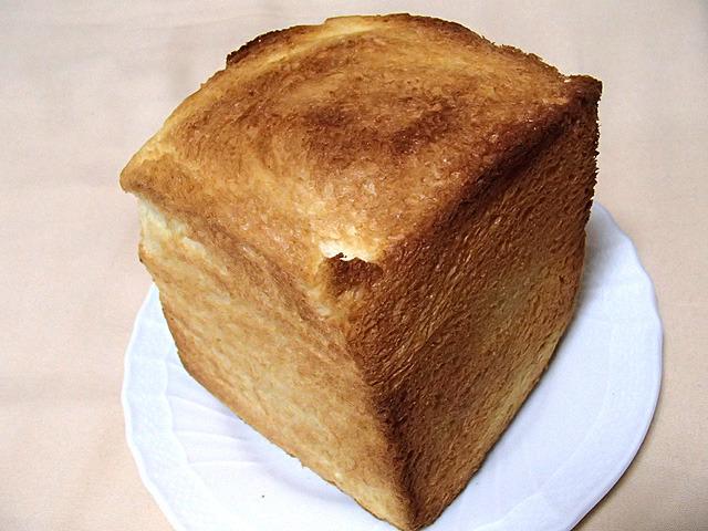 どこかのカラオケ屋でこういうサイズのトーストだしていたな。