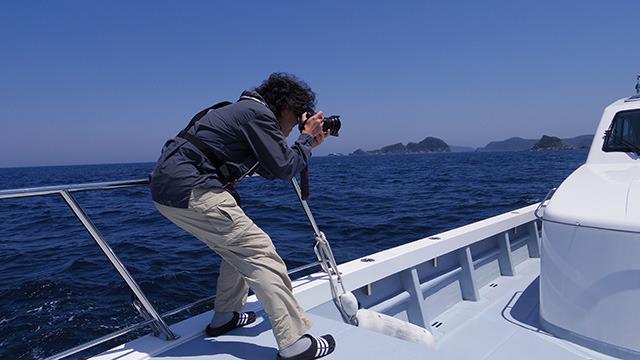釣りの撮影になると真剣そのもの
