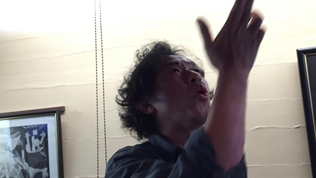 津留崎さん