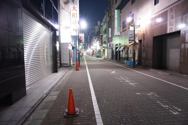 道を一本入ると誰もいない。