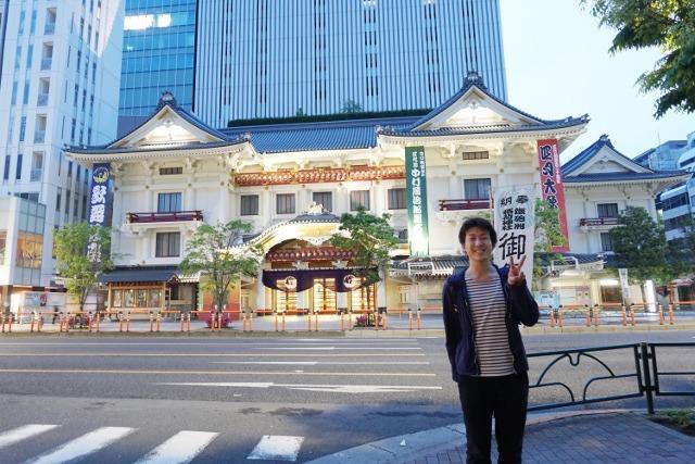 車通りが多い歌舞伎座もこのように。