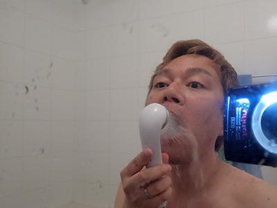 笑うと口からゴボゴボって水が出るのが面白いです。