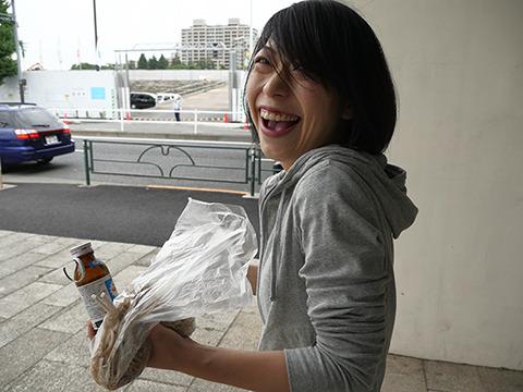 それで「すごいね! これすごいね!」と爆笑してるのである。古賀よ、海を渡るのじゃ! 日本はもうお前には小さい!
