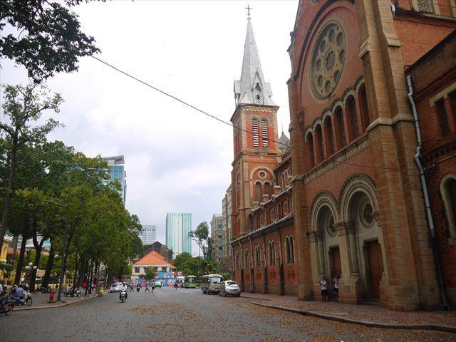 フランス統治時代の1880年に完成した教会。