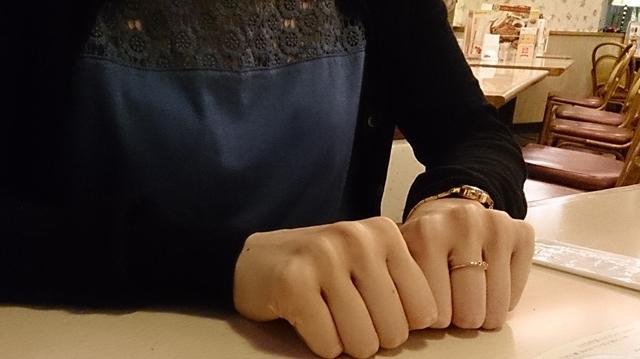 ▲せっかくなんで「爪撮らせてもらってもいいですか?」と聞いたら「ダメです」といわれてしまった