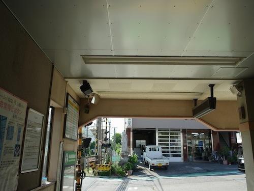 津田山駅。ツバメの巣はなし。すごくよさげなロケーションだが。