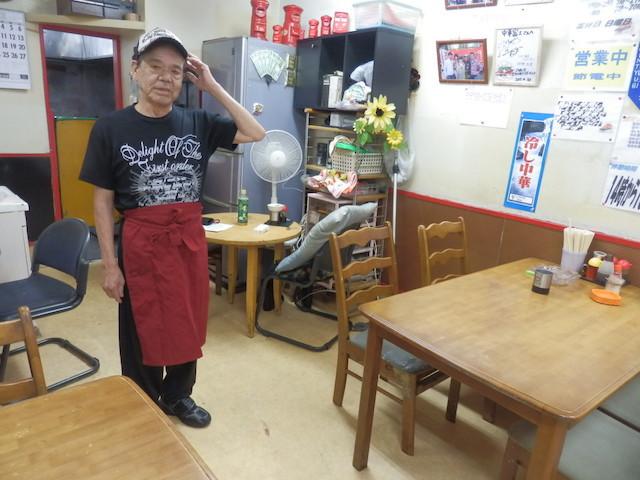 大阪生まれのマスター、城 和宣さん(71歳)