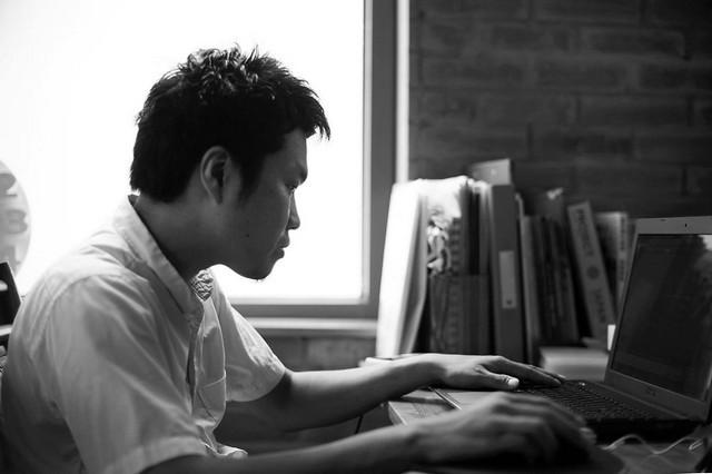 竹森紘臣(ひろおみ)さん。ベトナム・ハノイにある設計事務所『03』の一級建築士。