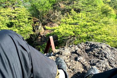 下りる時は、上り以上に怖かった(完全に腰が引けている)
