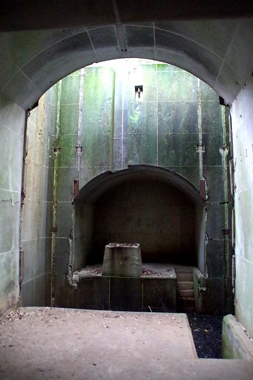 ドラゴンクエストの世界で見た毒の沼地に守られた古い神殿のような造りになっていて感動。