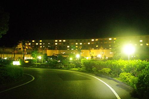 キャンプ場のすぐ近くにある南房総富浦ロイヤルホテル。