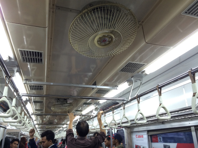 扇風機に営団地下鉄のSマーク!
