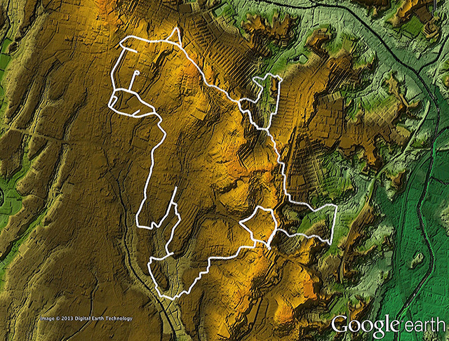 親指部分の凹みがまさに調節池!(「東京地形地図」をGoogle earthで表示したものをキャプチャ)