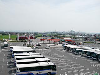 バスのナンバーを見ると、鳥取だけではなく広島岡山島根からも駆り出されてる